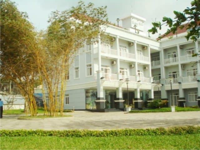 Khung cảnh xung quanh bên ngoài của khách sạn ( Ảnh ST)