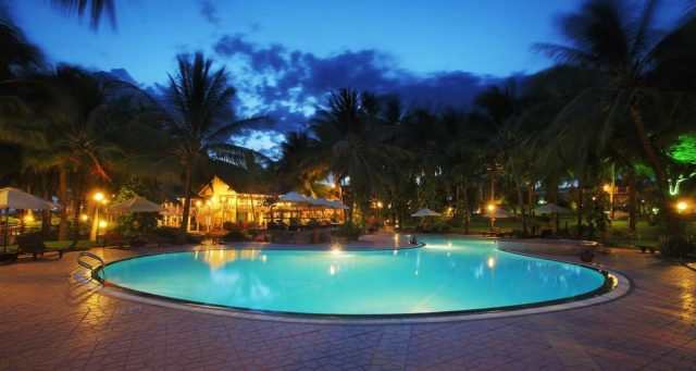 Hồ bơi của Resort (Ảnh ST)