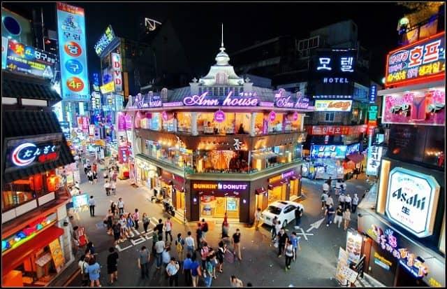 Khu phố Gangnam với nhiều khu vui chơi. giải trí (Ảnh: ST)