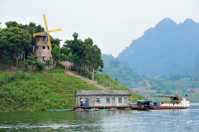 Cảnh đẹp vô cùng thơ mộng ở Thung Nai - Hoà Bình