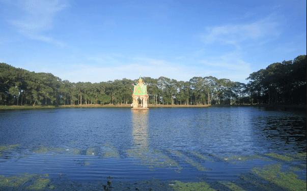 Ao bà Om luôn nằm trong những địa điểm du lịch Trà Vinh được yêu thích