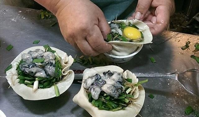 Bánh bao hàu sữa - món ăn đường phố Đài Loan nổi tiếng (ảnh ST)