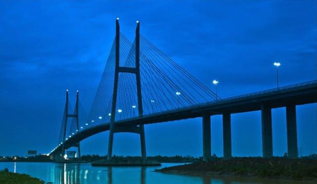 Cầu Mỹ Thuận đẹp lạ về chiều tối và đêm (ảnh ST)