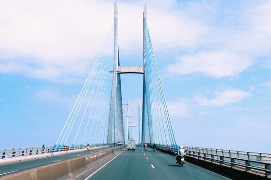 Cầu Mỹ Thuận - biểu tượng của thành phố Vĩnh Long (ảnh ST)