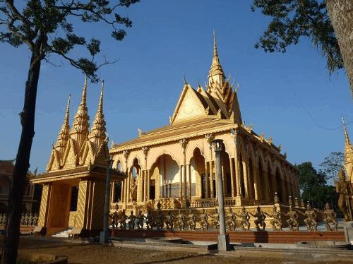 Ngôi chùa là nơi lui tới thường xuyên của nhiều Phật tử