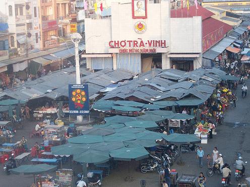 Chợ Trà Vinh hẳn là địa điểm du lich Trà Vinh sầm uất nhộn nhịp nhất
