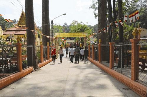 Những năm gần đây, chùa còn là một địa điểm du lịch hút khách của Trà Vinh (ảnh sưu tầm)
