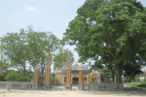 Chùa cổ Long An không chỉ là nơi chư Tăng, phật tử lễ bái và tu học mà còn là nơi sinh hoạt văn hóa tâm linh của người dân trong địa phương (ảnh ST)