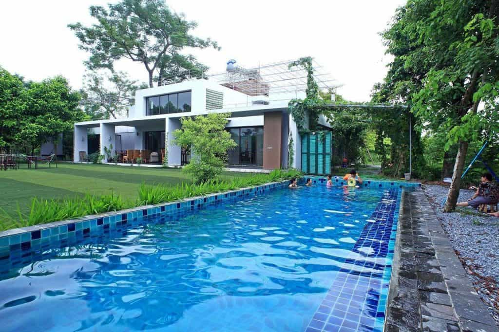 Hometay ngoại thành có bể bơi ở Hà Nội
