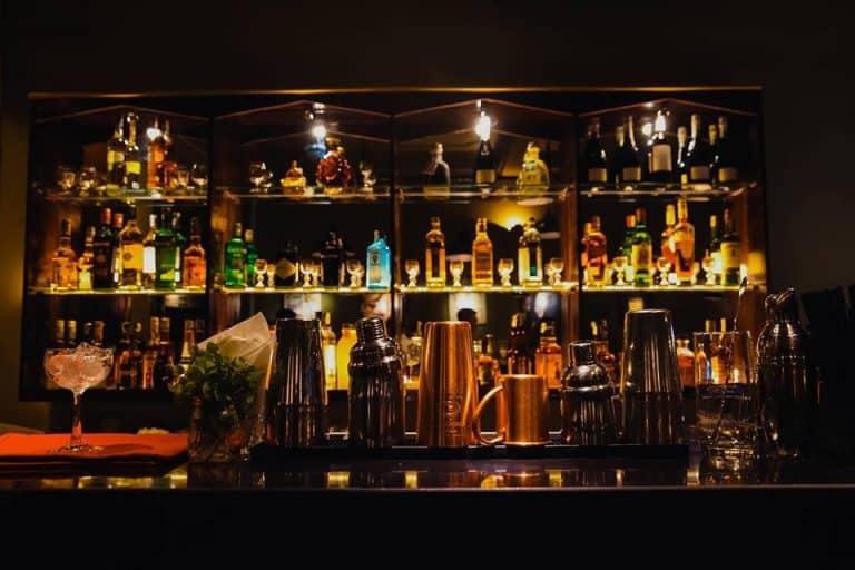 các quán bar bình dân ở Hà Nội