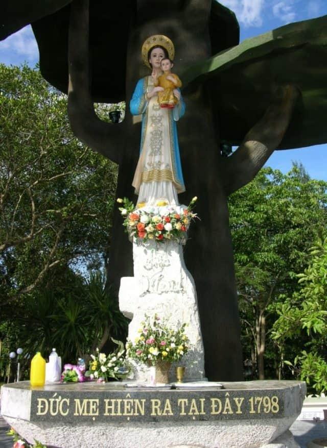 Ghé thăm Thánh địa La Vang - Lắng nghe sự tích Đức Mẹ hiển linh