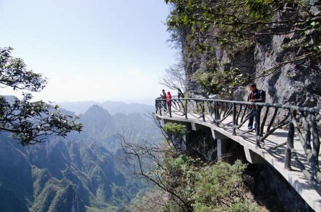 Địa điểm du lịch Trung Quốc thu hút hàng triệu du khách mỗi năm (ảnh ST)