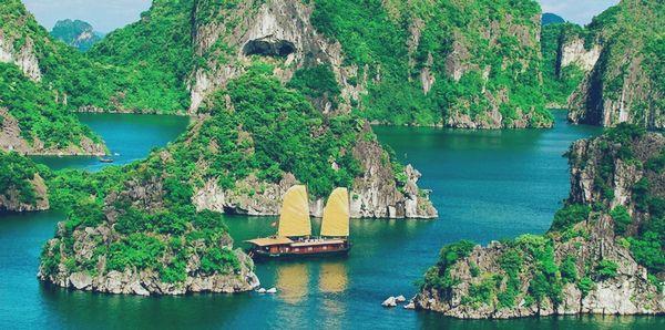 Vịnh Lan Hạ - 1 địa điểm du lịch Hải Phòng nổi tiếng