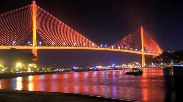 Cầu Bãi Cháy về đêm (ảnh ST)