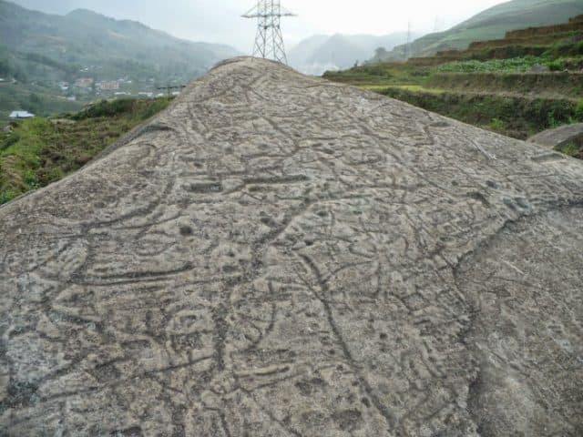 Bãi đá cổ sơ khai huyền bí (ảnh ST)