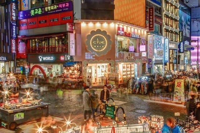 Khu mua sắm Myeongdong Seoul (ảnh ST)