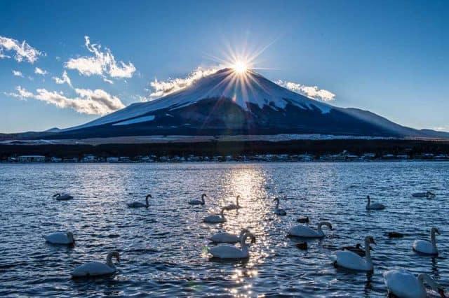Hoàng hôn buông đỉnh núi sau những ngày mùa đông (ảnh ST)