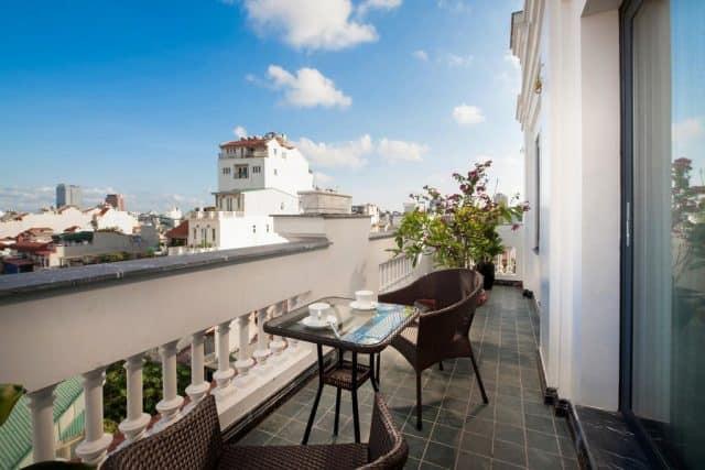 Ban công của khách sạn Hanoi Delano Hotel (ảnh ST)