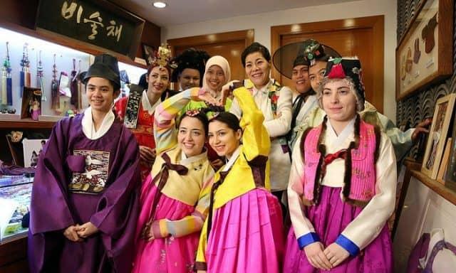 Trang phục truyền thống của Hàn Quốc (ảnh ST)