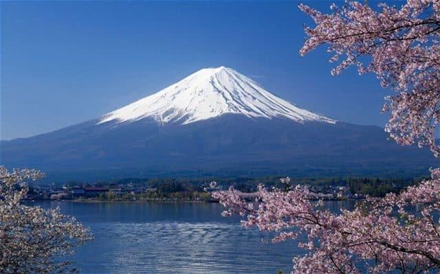 Núi Phú Sĩ - Niềm tự hào của người dân Nhật Bản (Ảnh ST)