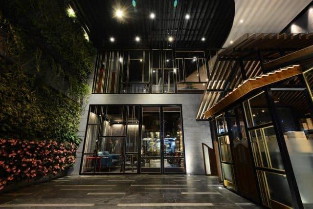 The Chi Boutique Hotel nhìn từ bên ngoài vào (ảnh ST)