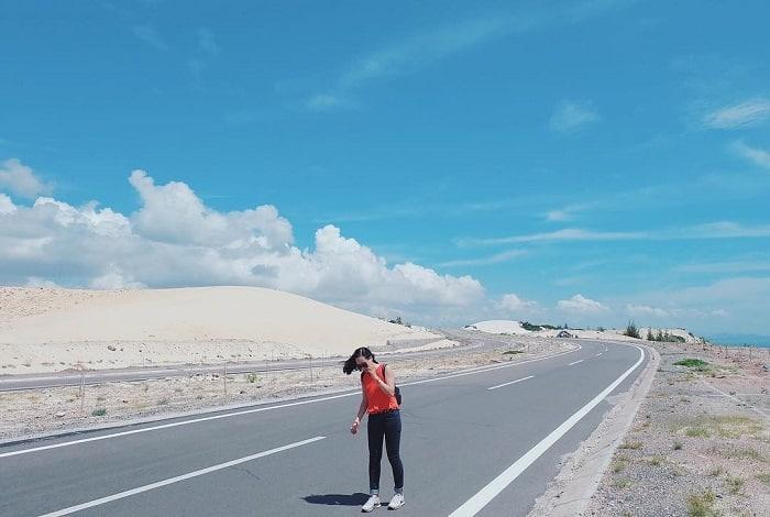 đồi cát bầu trắng