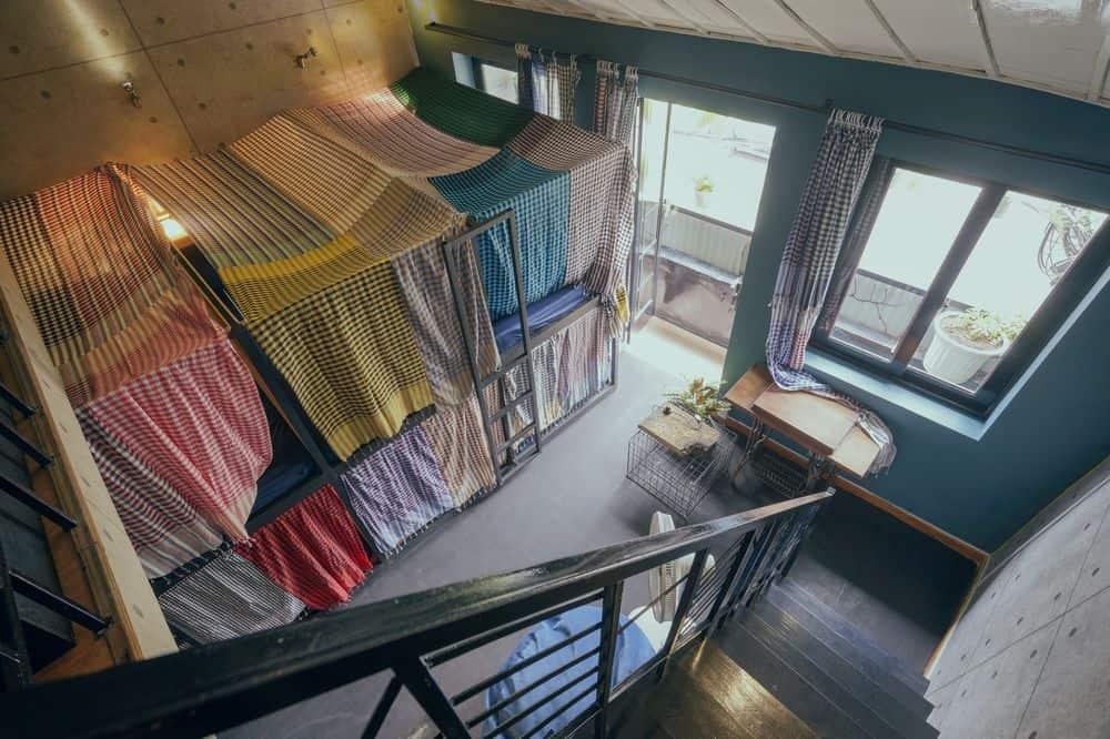 leuleu hostel