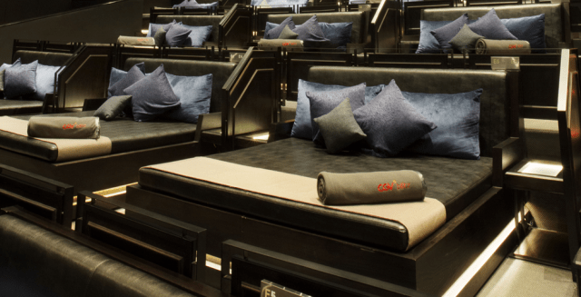 Mỗi giường được trang bị rất tiện nghi và thoải mái