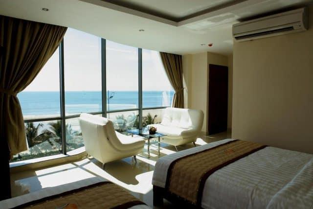 Trọn vẹn view biển từ Khách sạn Corvin Hotel