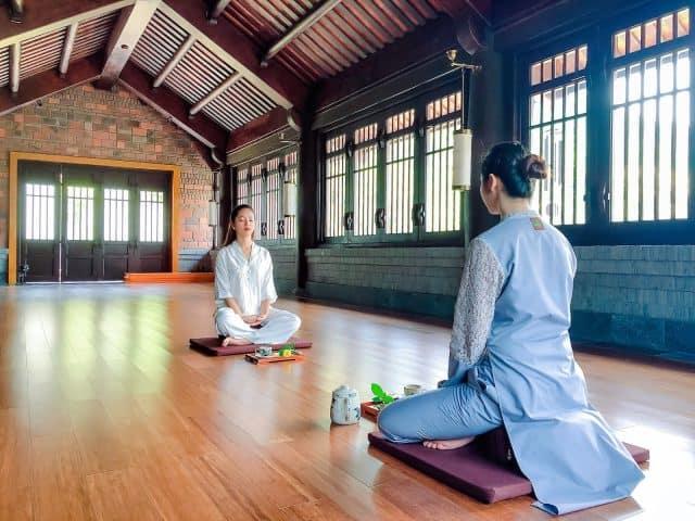 Tìm thấy sự tĩnh lặng tại lớp Thiền Trầm