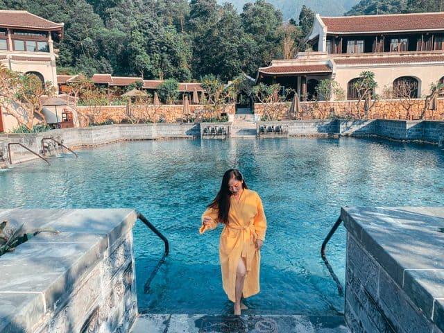 Hồ bơi tuyệt đẹp tại Legacy Yên Tử
