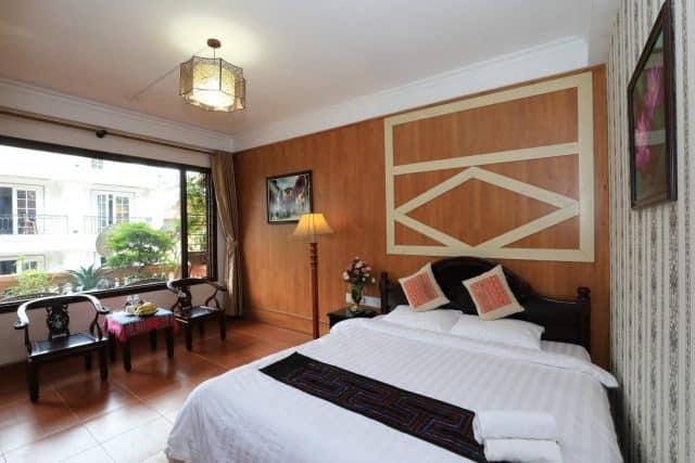 Lasapa hotel nổi bật với lối kiến trúc kết hợp văn hóa truyền thống