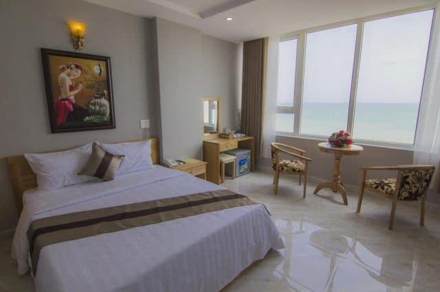 Ngoc Hanh Beach Hotel với view nhìn ra biển cực kỳ thơ mộng