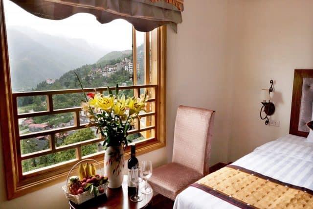 Khách sạn Sapa Eden Mountain View với khung cảnh đẹp nhìn từ cửa sổ