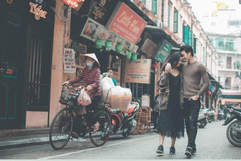 Hẹn hò ở phố Tạ Hiện