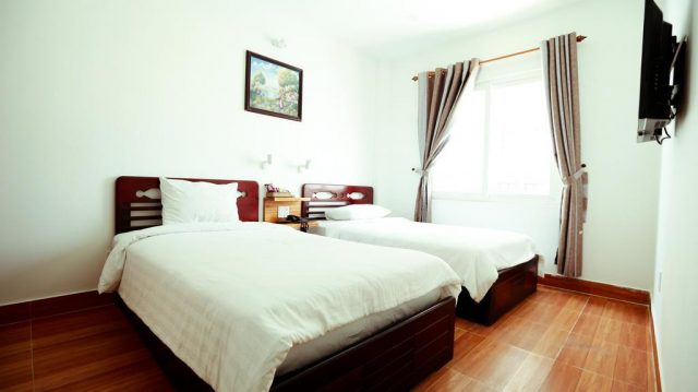 Xuân Hưng Hotel khách sạn giá rẻ gần cầu sông Hàn