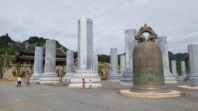Vườn cột kinh lớn nhất thế giới ở chùa Tam Chúc