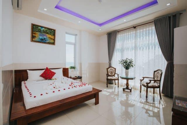 Khách sạn Hải Long phòng đẹp và khang trang gần biển
