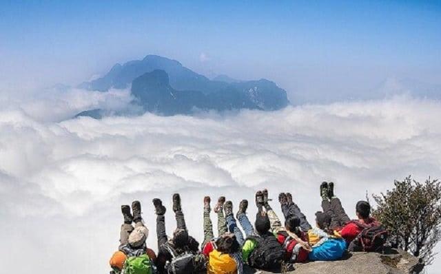 Check in những khoảnh khắc săn mây tại núi Hàm Rồng cùng hội bạn thân