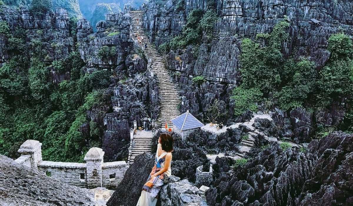 Hang Múa đẹp mê hồn với cảnh vật thiên nhiên hũng vĩ, ấn tượng. Ảnh: ST