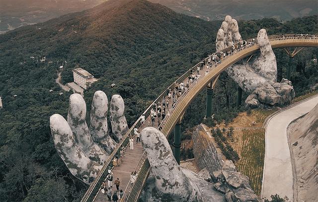 Đà Nẵng vẫn luôn là điểm đến thu hút du khách trong và ngoài nước