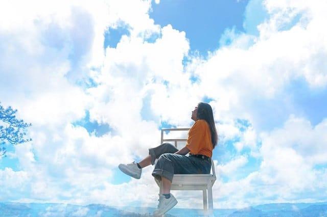 """Đà Lạt xuất hiện """"ghế săn mây"""" check in sống ảo đẹp huyền ảo thu hút nhiều bạn trẻ"""