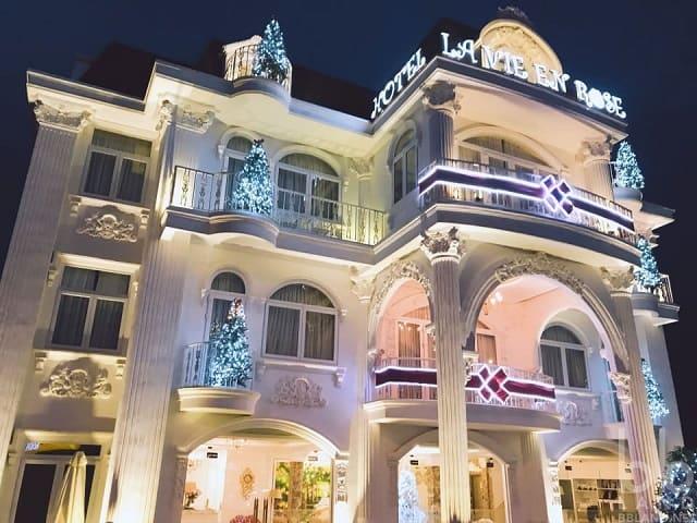 Khách sạn đà lạt vào dịp tết giá rẻ, biệt Thự La Vie En Rose