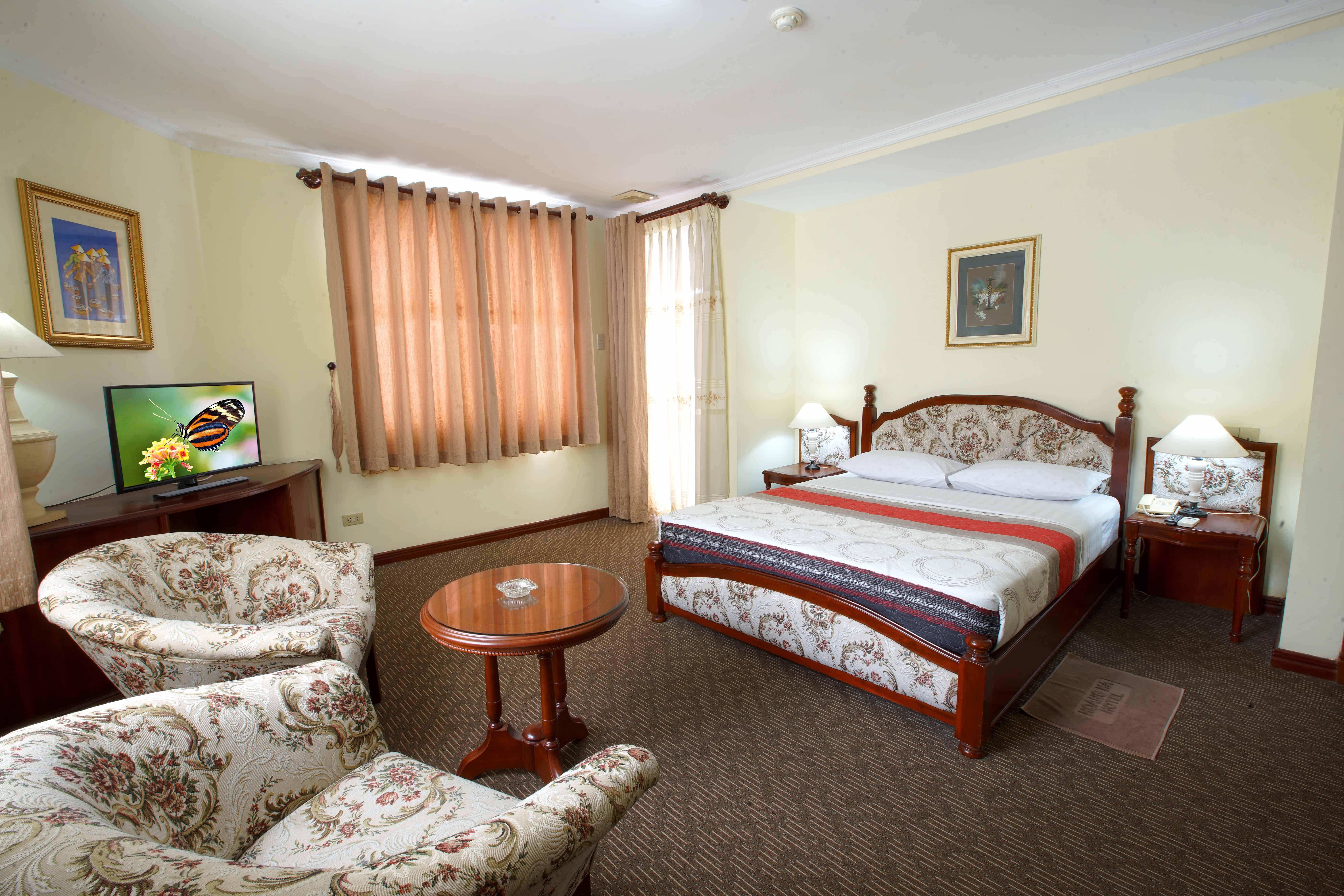 Phòng được thiết kế khá đơn giản nhưng trang nhã đem đến sự tự nhiên thoải mái cho khách hàng khi nghỉ ngơi tại đây