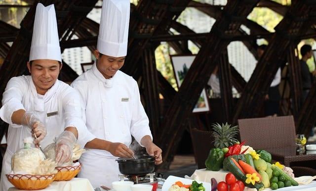 Món ăn được chế biến bởi những đầu bếp tay nghề cao