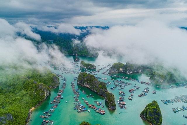 Đảo Cát Bà lý tưởng để bơi lội và lặn ngắm san hô