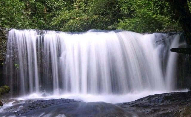 Trải nghiệm thác Pan Toong trắng xóa tại Bình Phước