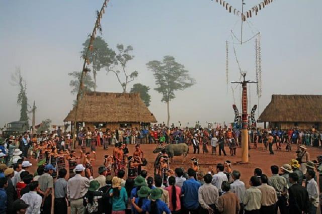 Lễ hội đâm trâu ở Tây Nguyên thu hút nhiều lượt khách ghé thăm