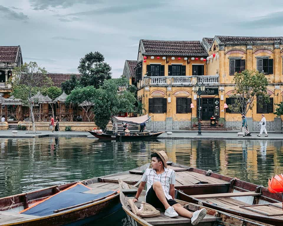 Each corner of Hoi An can create a vivid and poetic photo.  Photo of Herry Duong