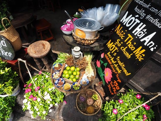 Haven't tried the Mau water, it is considered as not going to Hoi An!  Photo ST